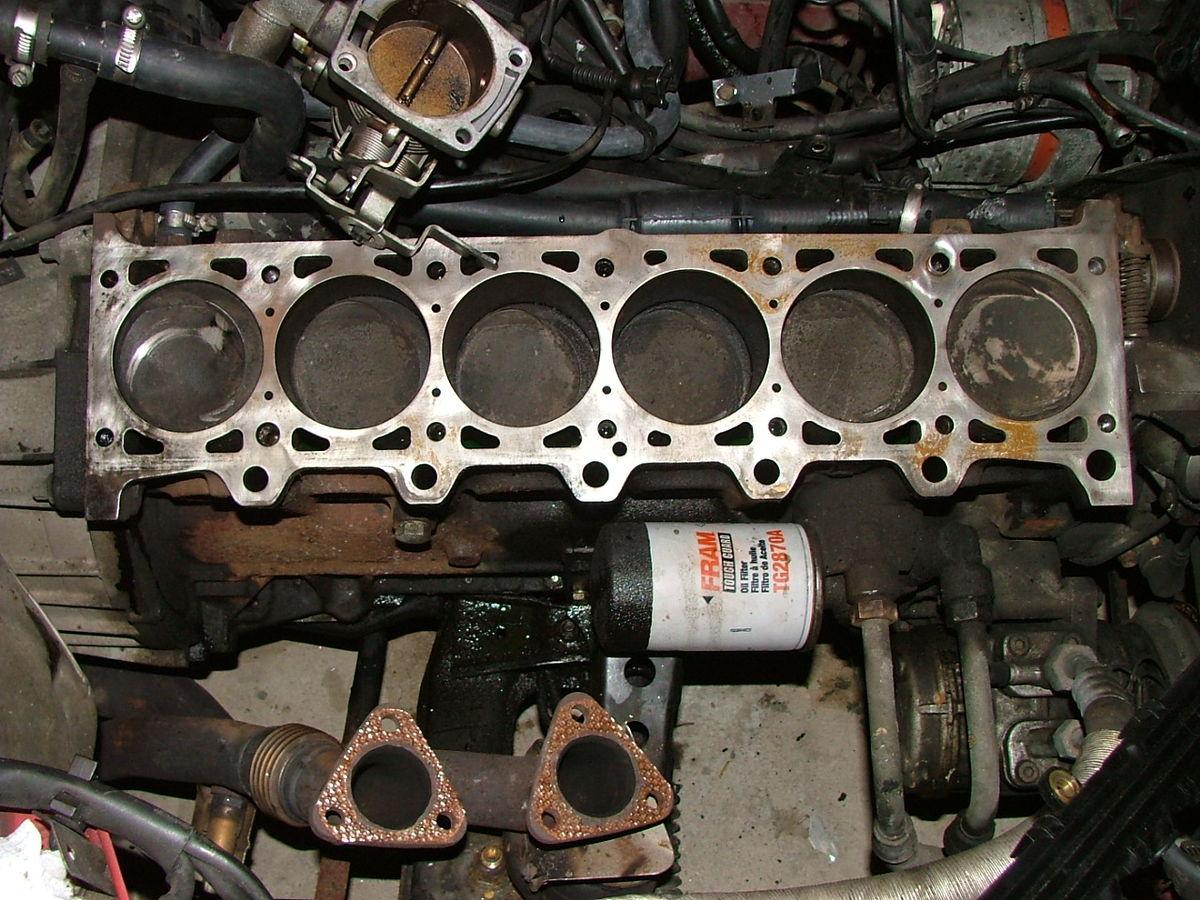 Straight-Six Engine - Wikipedia