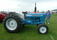 File:ford 4000 Tractor – Flickr – Terry Wha (2)